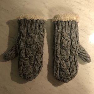 Gray knit mittens